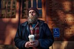 lighting-homeless-people-portraits-underexposed-aaron-draper-9-718x479