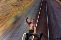 photographer-mike-brodie-captures-freight-train-hitchhikers-20